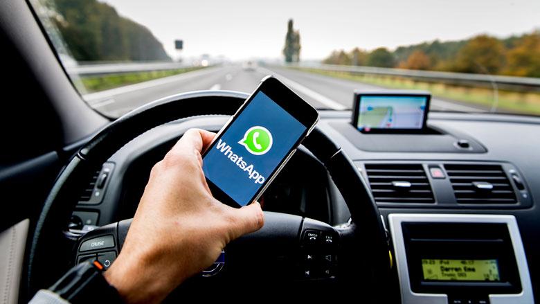 'Bestraf smartphonegebruik tijdens autorijden met celstraf'