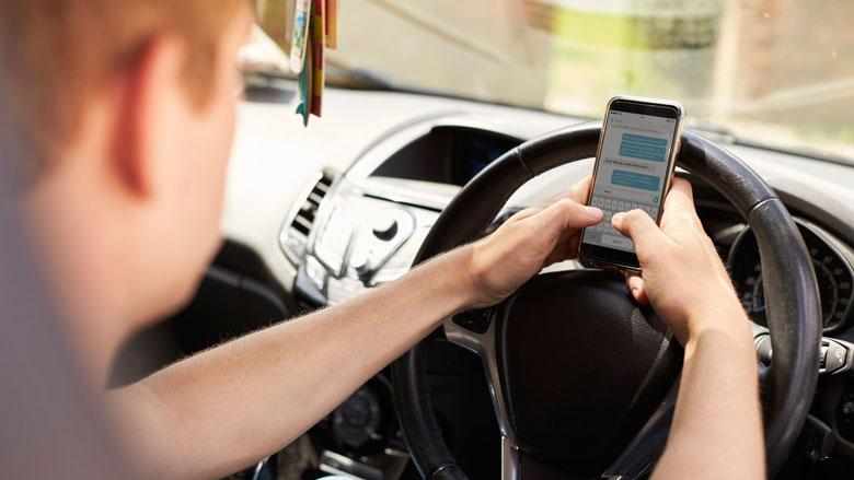'Smartphone uitlezen direct na verkeersongeval gebeurt nog te weinig'