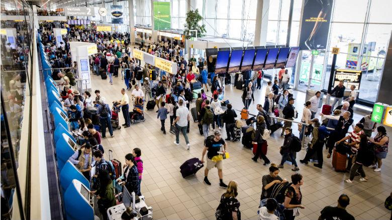 Bagagepersoneel Schiphol staakt weer