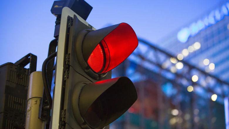 Proef met 'communicatie' tussen vrachtwagens en verkeerslichten van start
