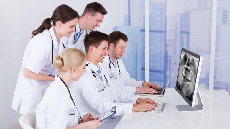 NZa en IGJ controleren tandartsen die vaker dan gemiddeld foto's maken