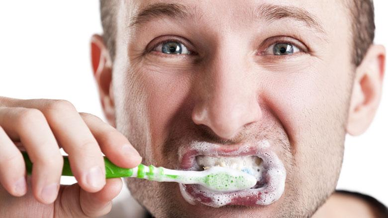 Is whitening tandpasta schadelijk voor je glazuur? En: werkt het?