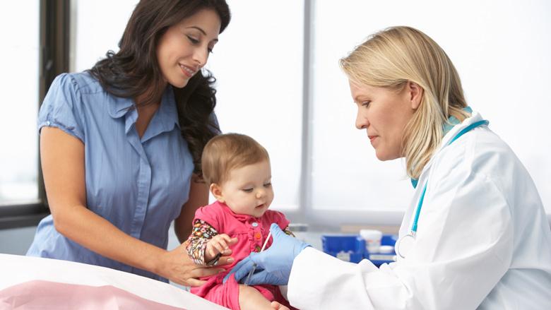 'Minder kinderbijslag voor ouder die niet laat vaccineren'