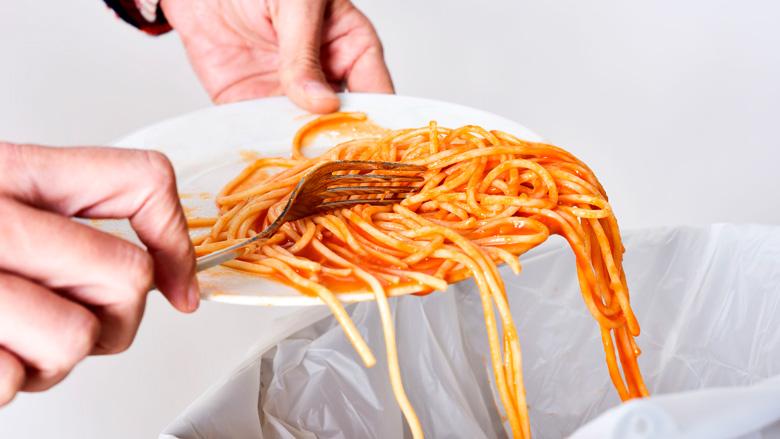 Stop voedselverspilling, houd over-de-datum-eetfeestjes!