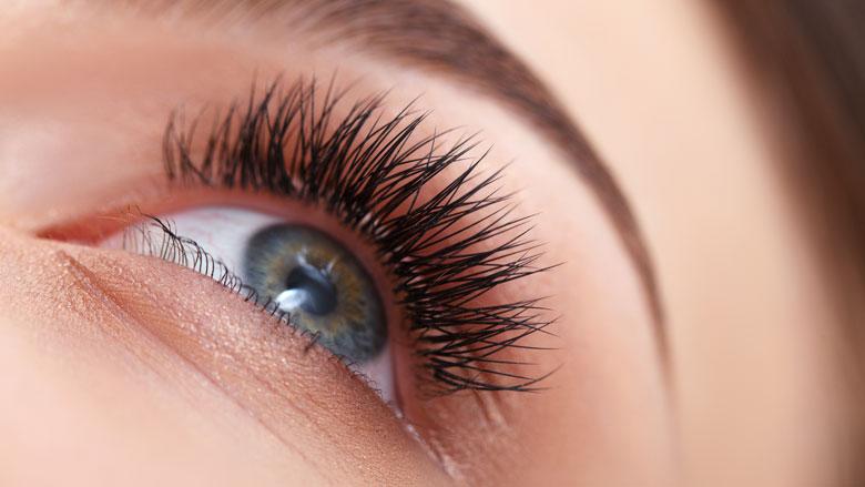 Wimperserum Kruidvat kan zorgen voor oogverkleuring