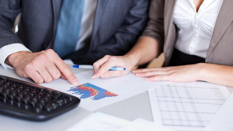 Consumentenbond spreekt aandeelhouders ASR en NN Group aan over woekerpolissen