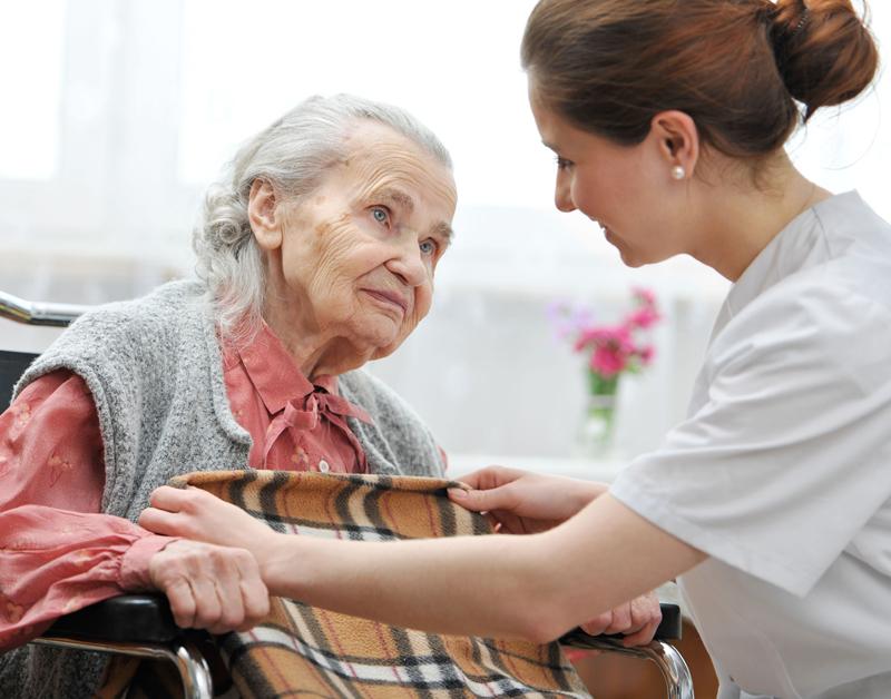 Wachtlijsten verpleeghuizen veel te lang