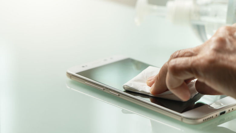 Hoe kun je het beste jouw mobiele telefoon ontsmetten?