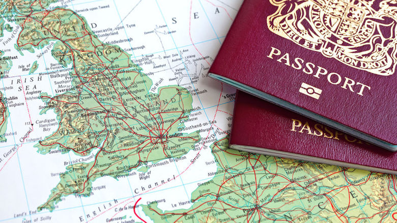 In Nederland geboren mensen zonder paspoort geholpen door gemeenten