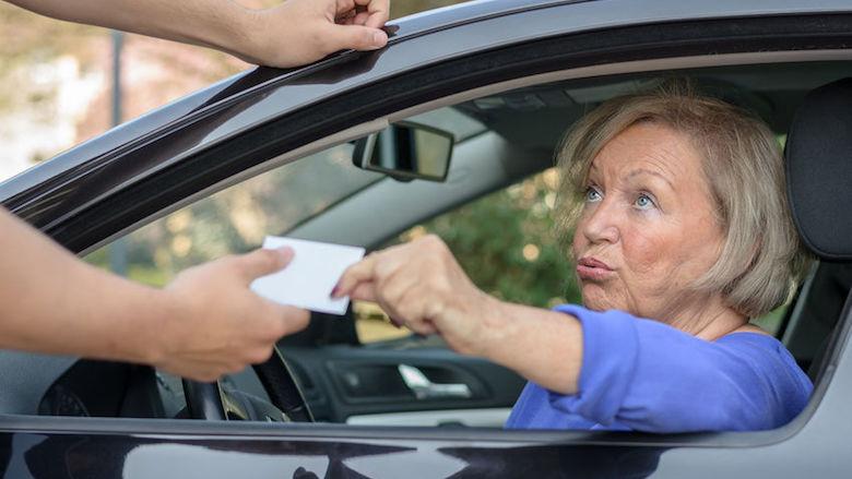 Naar het buitenland, maar rijbewijs is nog niet verlengd? Dit zijn je opties