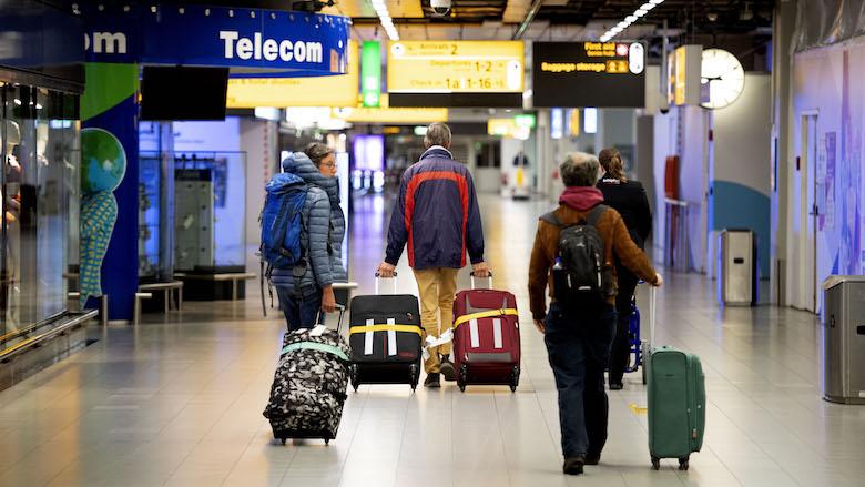 15.000 gestrande reizigers kloppen bij ministerie aan voor repatriëring