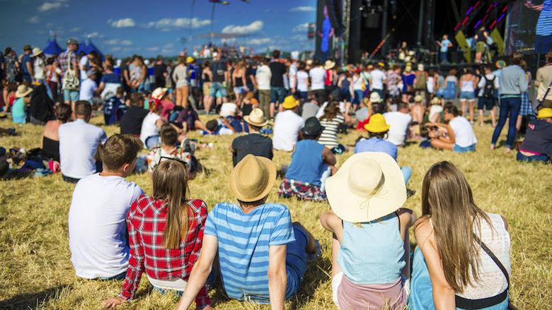 'Grote evenementen deze zomer onwaarschijnlijk'
