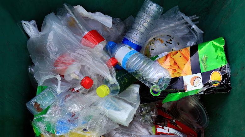 Statiegeld op kleine plastic flesjes vanaf 1 juli 2021