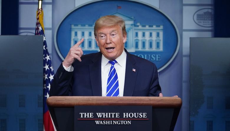 Trump: 'uv-licht en desinfectiemiddel zijn hét medicijn tegen corona'