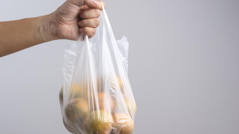 Minderen met wegwerpplastic is belangrijk, maar heeft niet altijd prioriteit