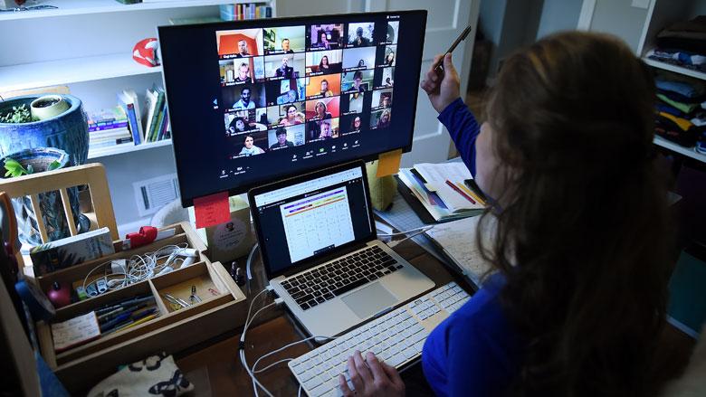 'Opnames Zoom-gesprekken online te vinden, accounts verkocht via dark web'