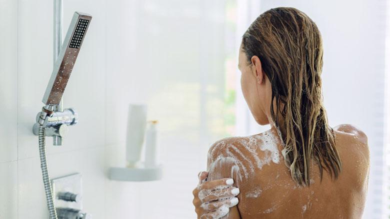 Is douchegel gebruiken slecht voor je huid?