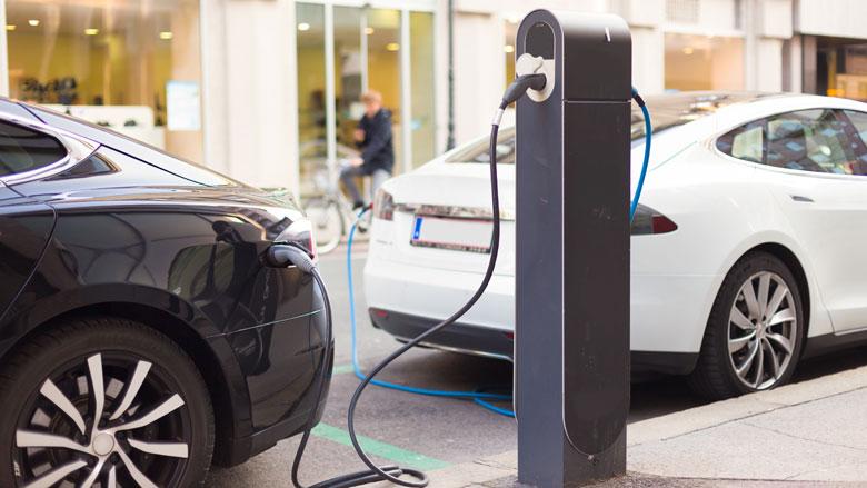Elektrische auto's zorgen voor historisch lage CO2-uitstoot