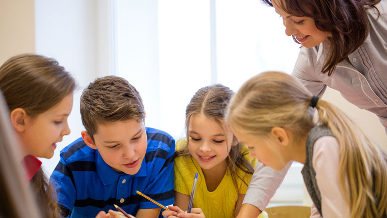 Onbevoegde leraren mogen onder voorwaarden voor de klas staan