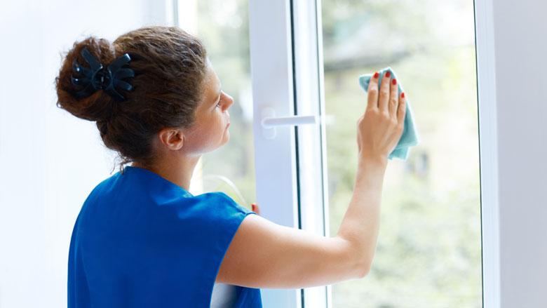 Hoe kun je het beste je ramen lappen?
