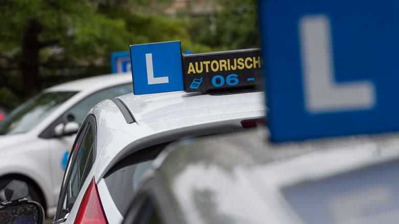 'Voorkom turbo-opleidingen met strengere eisen voor rijscholen'