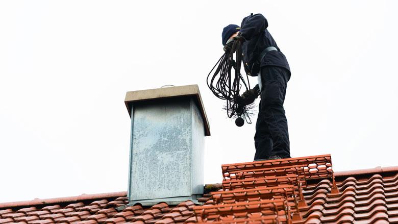Maandag in Radar: Klachten over schoorsteenvegers | Lange wachttijden bij het Kifid | Adresloket.nl