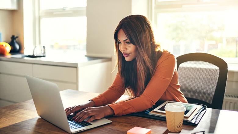 'Werkgever moet werknemer compenseren voor thuiswerken'