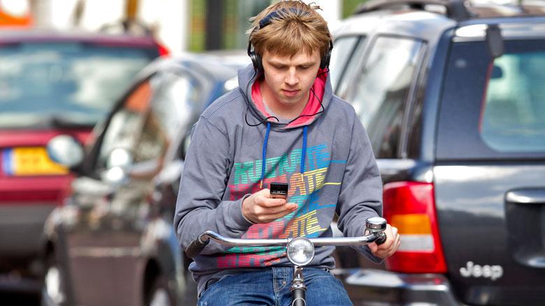 'Appverbod draagt weinig bij aan de verkeersveiligheid'