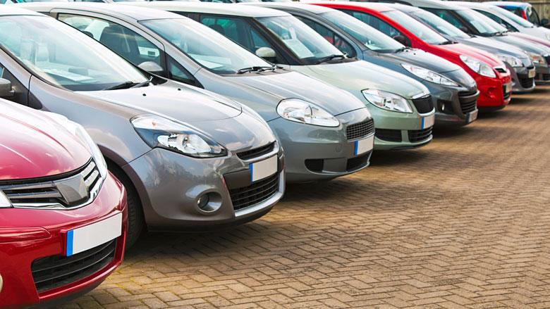 Auto's in Nederland het vaakst grijs en gemiddeld 11 jaar oud