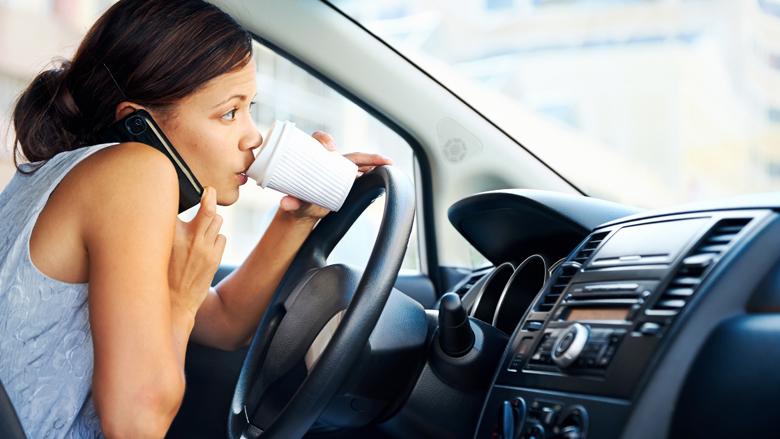 Kwart bedrijven stimuleert handsfree bellen van leaserijders