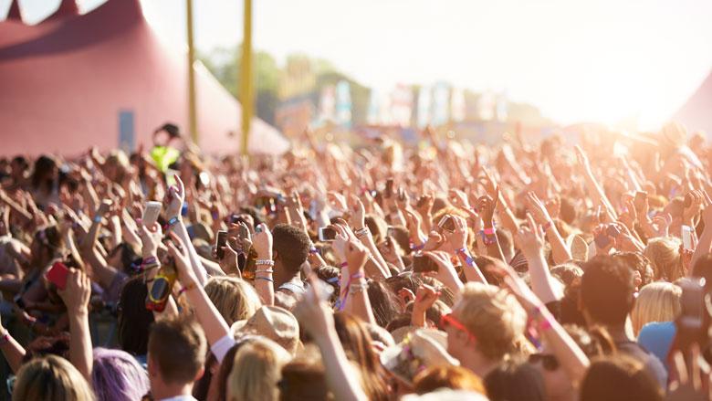 Rookverbod in festivaltenten vaak overtreden