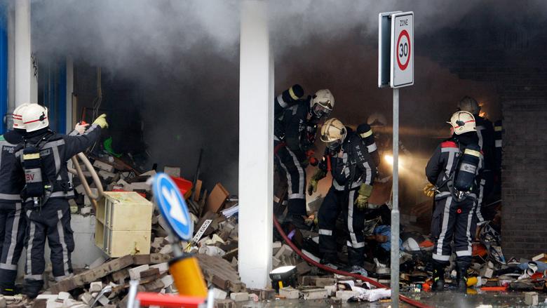 Gaslek of gasexplosie door breuk in grijs gietijzeren gasleiding