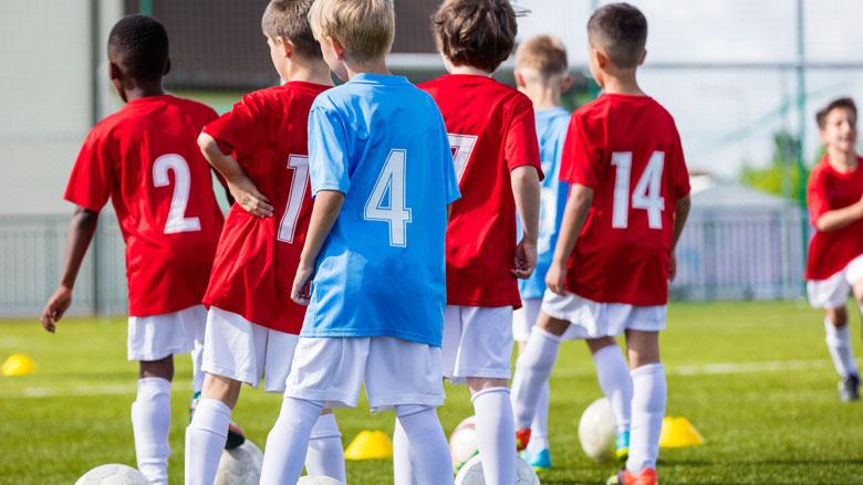 Jeugdvoetbal mag weer trainen: hier moet je je aan houden