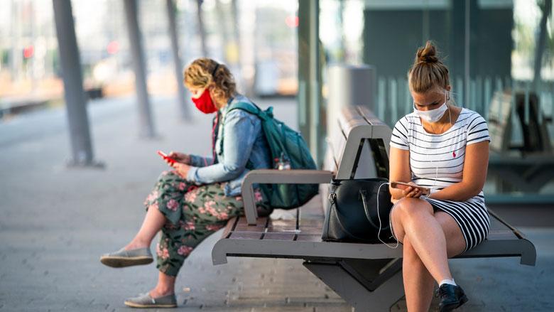 '52% jongeren voelt zich ongehoord in aanpak coronacrisis'