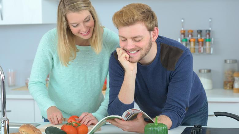 Iets meer vega-recepten in supermarkt-kerstmagazines van 2019