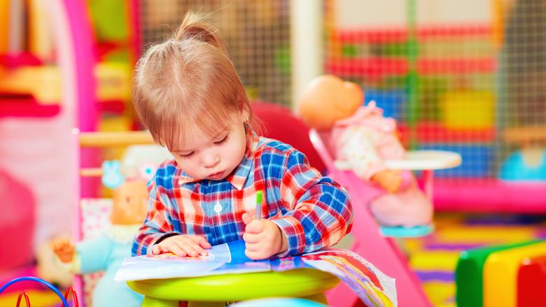 Wanneer kun je kinderopvangtoeslag krijgen en hoe vraag je die aan?
