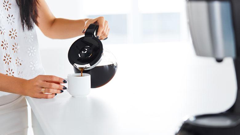 Je koffiezetapparaat ontkalken en schoonmaken: experts geven tips