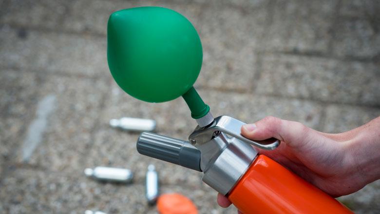 Gebruik lachgas kan zorgen voor verwondingen