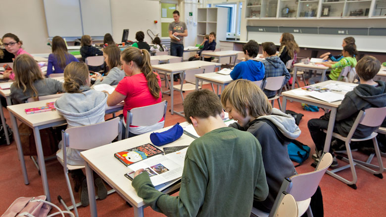 VO-raad: Overheid moet middelbare scholen in krimpregio's meer geld geven