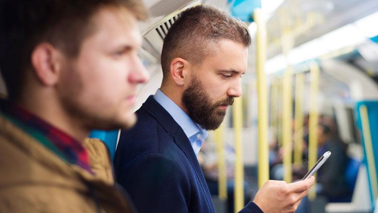 Proef NS: reizigers kunnen whatsappen als ze zich onveilig voelen