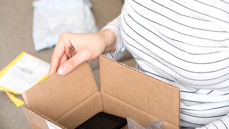 Online aankoop uit de verpakking halen en uitproberen: mag dat?