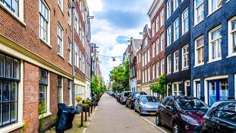 Parkeervergunning wordt flink duurder in grote steden