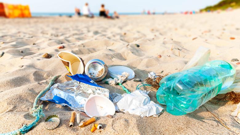 Bedrijven slaan handen ineen tegen plastic zwerfafval