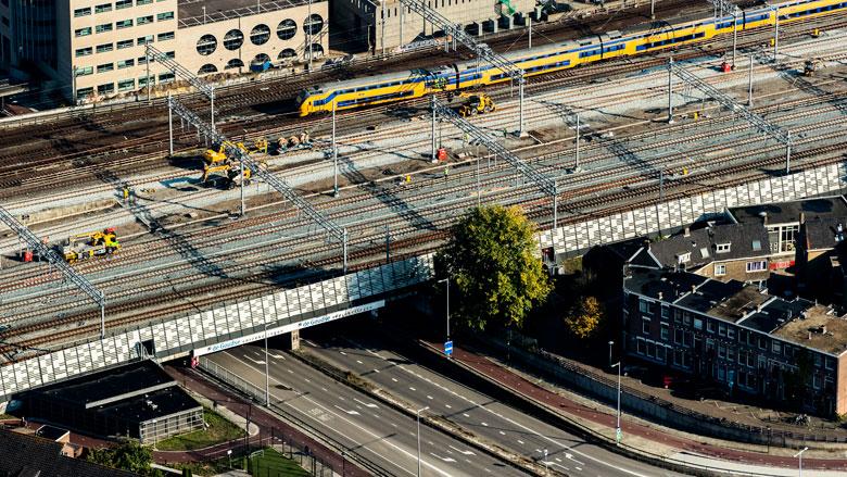 ProRail waarschuwt voor trillingen bij nieuwe huizen langs spoor