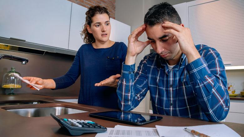 'Nog steeds te weinig hulp bij schulden'