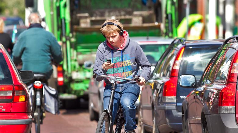 Smartphoneverbod op de fiets: wat moet je weten?