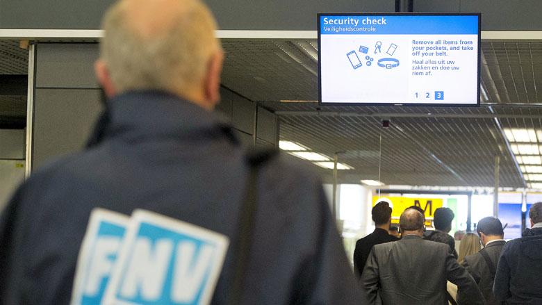 Ook werknemers Schiphol staken op maandag