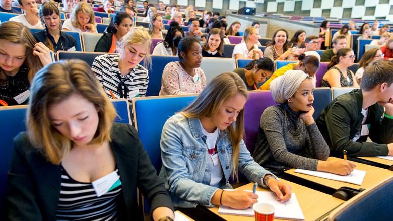 Jongeren starten steeds later met studie