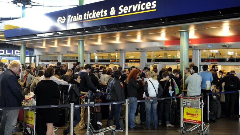 'Treinticket op telefoon voor buitenlandse reiziger'