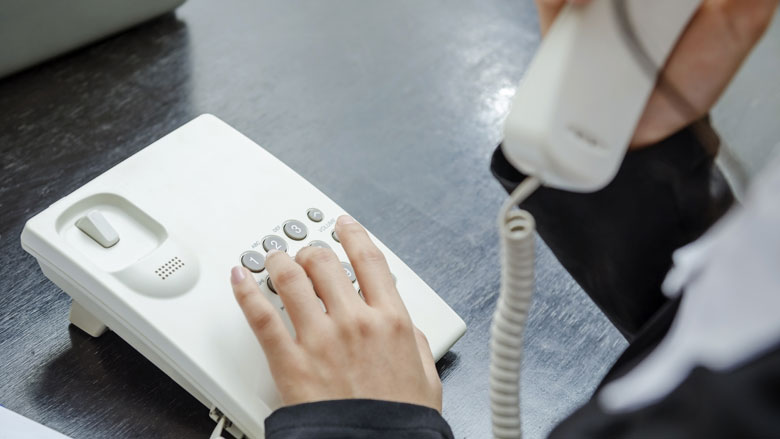 Aantal vaste telefoonaansluitingen weer verder gedaald